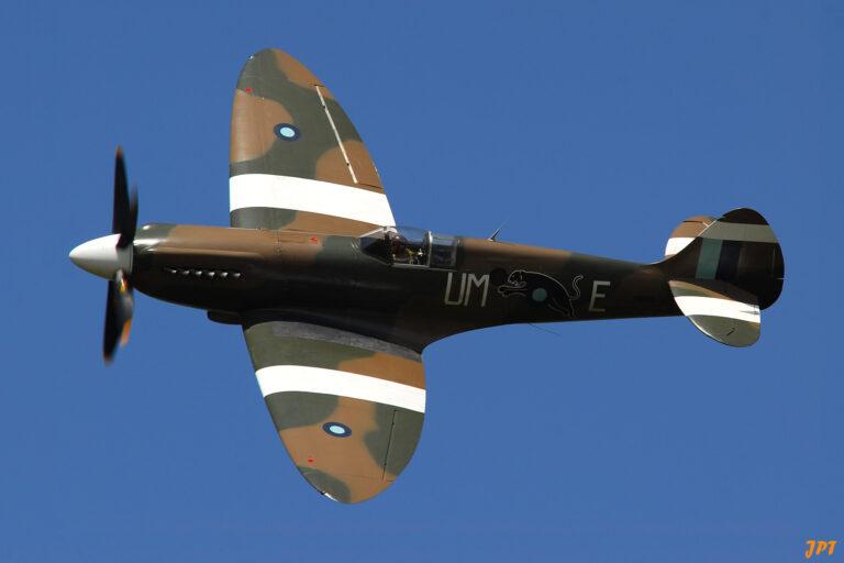 Spitfire PR XIX, F-AZJS © Jean-Pierre Touzeau