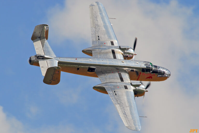 B-25 © Jean-Pierre Touzeau